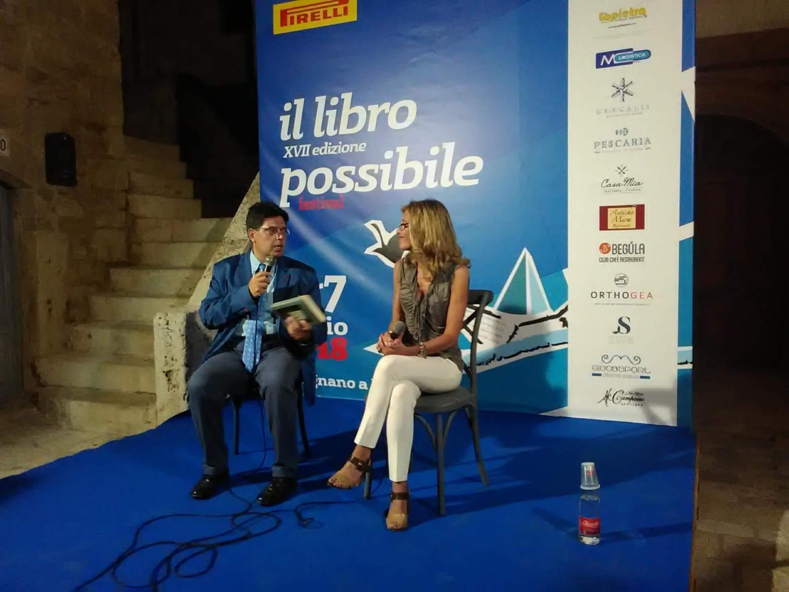 """Al Festival """"Il Libro Possibile"""", Polignano a Mare, con Alessandro Lattarulo"""