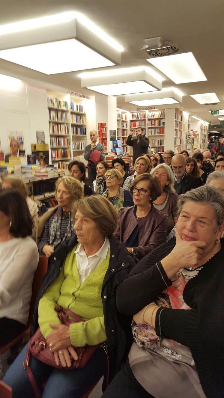 Il pubblico, presso la Libreria Laterza di Bari