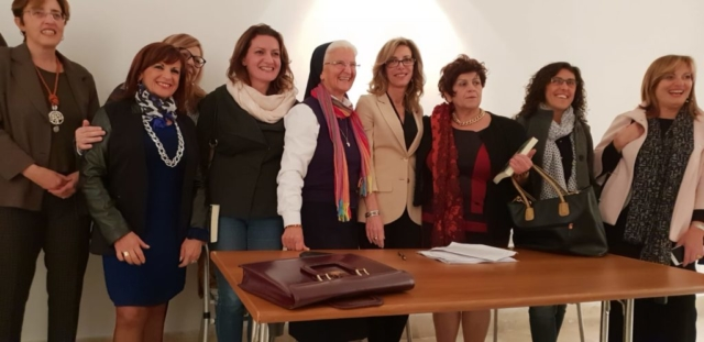 """Progetto scolastico """"Le Verità Apparenti"""", Galleria Spazio Giovani - Bari, con C. Paternotro e R. Facecchia"""