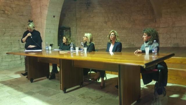 Con Annalisa Laterza, Rosa Verni, Betty Cascella, Maria Teresa Lobalsamo, Annalisa Del Vecchio presso il Castello Normanno-Svevo di Sannicandro